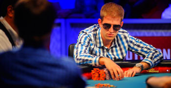 Финалист мейна WSOP выиграл Sunday Million